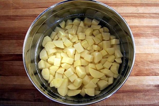 Keep potatoes white