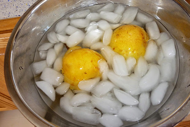 De-skin potatoes without a peeler