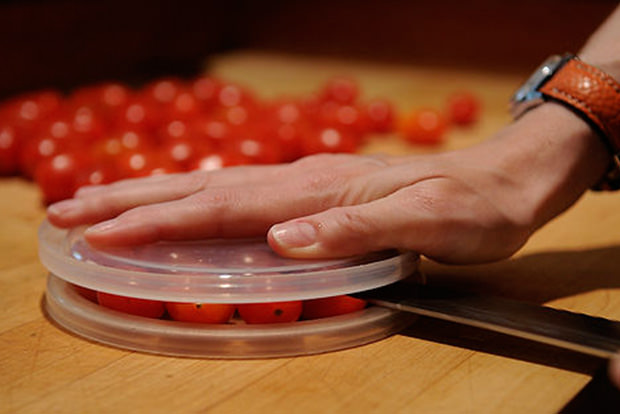 Cut cherry tomatoes in half all at once