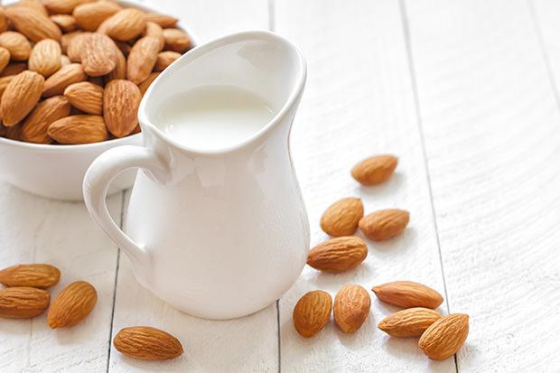 Sweet Almond & Vanilla Milk Recipe