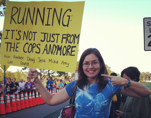 Funniest Running Signs #i: The faster you run the sooner we'll be drunk.