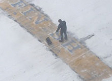 Person Who Shovelled Snow Off The Boston Marathon Finish Line Revealed