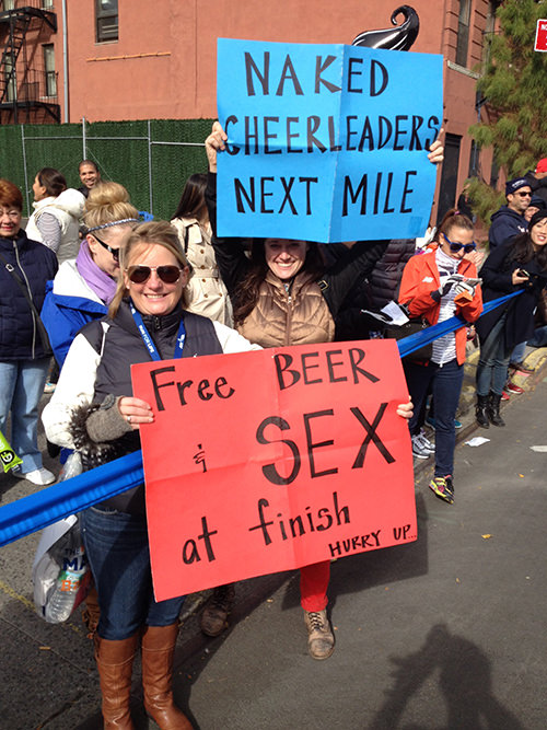 Sexy Running Signs At A Road Race #8: Naked cheerleaders next mile. Free beer and sex a finish. Hurry up.