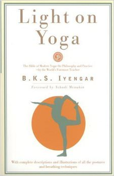 Light on Yoga : Yoga Dipika<br />